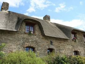 Photos le dolmen du riholo le dolmen de la joseli re pornic maison tradi - Maison traditionnelle bretonne ...